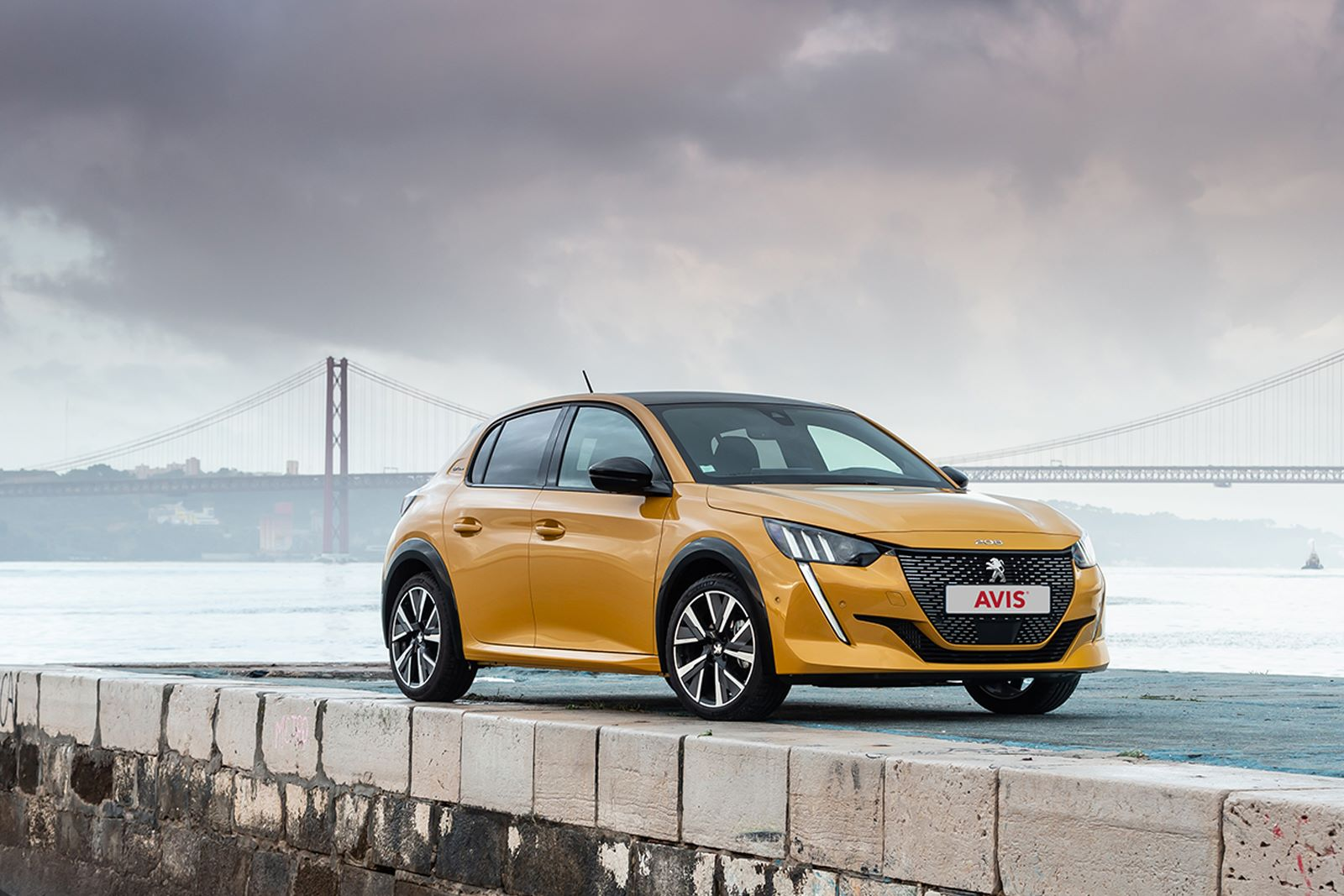 Peugeot 208 for 3 or 6 months only in AVIS Slovakia